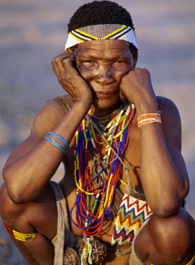 NAM3027 An old !Kung woman. The !Kung are San hunter-gatherers, often referred to as Bushmen. They differ in appearance from the rest of black Africa having yellowish skin and being lightly boned, lean and mu...