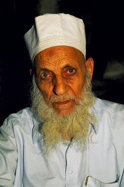 PAK0123 An elderly resident of Lahore, capital of the Punjab and Pakistan's most cultured city.