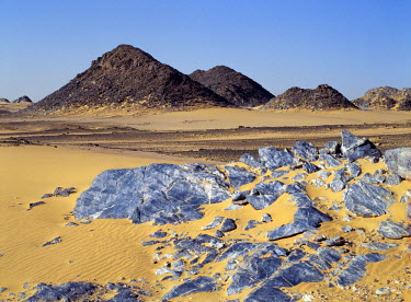 SUD1124 The Northern or Libyan Desert in northwest Sudan is an easterly extension of the great Sahara Desert. The erosion of sedimentary rock has created a truly magnificent desert landscape.