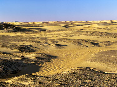 SUD1133 Magnificent desert scenery in the Nubian Desert of northeast Sudan has been created by the erosion of sedimentary rock, which in places is highly oxidised. This desert is an extension of the great Sah...