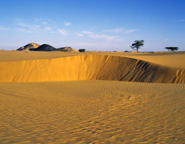 SUD1143 Attractive desert scenery in the Bayuda Desert of northeast Sudan, which is an extension of the great Sahara Desert.