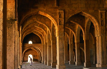 IND5169 One-time fortress capital of the Malwa sultans, and later pleasure retreat of the Moghuls, Mandu abounds in substantial part-ruined buildings. The 15th-century Jami Masjid is the finest remaining cons...