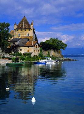 FRA6280 Yvoire Castle on the banks of Lake Geneva