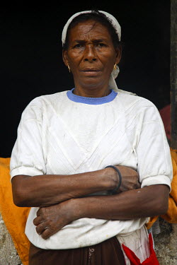 SAO1053 Sao Tomense woman. Sao Tom̩ e Principe, Africa'a smallest country with a population of 193 000, consists of two mountainous Islands in the gulf of New Guinea, straddling the equator west of Gabon.