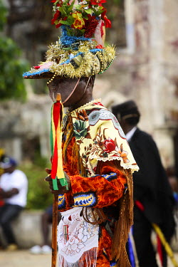 SAO1002 Amateur actors perform a Sao Tomense play called 'Auto de Floripes'. The play is traditionally performed each year in August in the middle of Santa Antionio, on the island of Princip�. Sao Tom� and Pr...