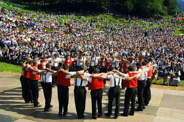 SWI6159 A traditional mountain and alpine anniversary performance at the Unspunnen Bicentenary Festival, Interlaken, Jungfrau Region, Switzerland