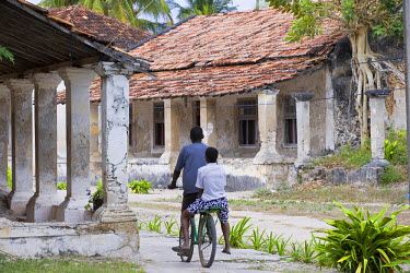 MOZ1152 Crumbling colonial villas on Ibo Island, part of the Quirimbas Archipelago, Mozambique