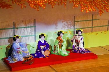 JAP0257 Japan, Honshu Island, Kyoto Prefecture, Kyoto. Kyo Odori - a Geisha Spring Dance performance.