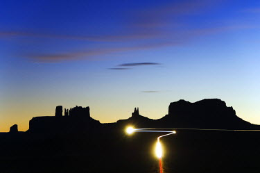 USA7767 USA Arizona Monument Valley Navajo Tribal Park car light trails