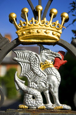 WAL6851 Wales; Powys; Powis Castle.  Decoration on a garden gate at Powis Castle.