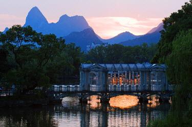 CH2779 China, Guangxi Province, Guilin, Banyan Lake