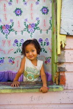 BL01197 Portrait of a girl, Caye Caulker, Belize