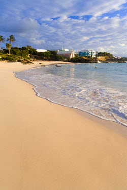 BU01040 Bermuda, South coast beachs, John Smith's Bay