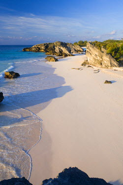 BU01059 Bermuda, Southampton Parish, South Coast Beaches, Horseshoe Bay