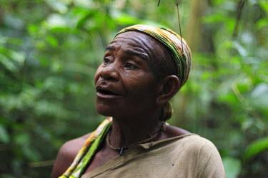 AC01011 Baaka Pygmies, SW Central African Republic