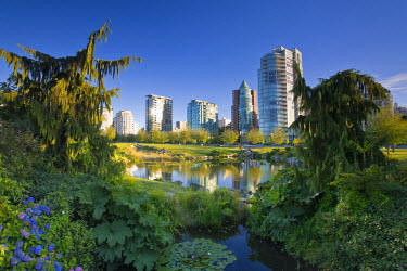 CA01084 Devonian Harbour Park and Downtown Vancouver Skyline, Vancouver, British Columbia, Canada