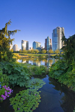 CA01085 Devonian Harbour Park and Downtown Vancouver Skyline, Vancouver, British Columbia, Canada