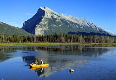CA08024 Mounte Rundle, nr. banff, Alberta, Canada