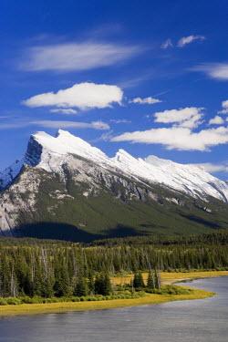 CA08112 Mount Rundle and Vermillion Lakes, Banff-Jasper National Parks, Alberta, Canada