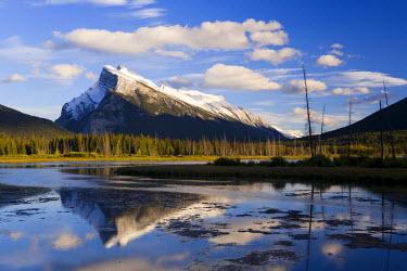 CA08118 Mount Rundle and Vermillion Lakes, Banff-Jasper National Parks, Alberta, Canada