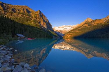 CA08177 Lake Louise, Banff National Park, Alberta, Canada