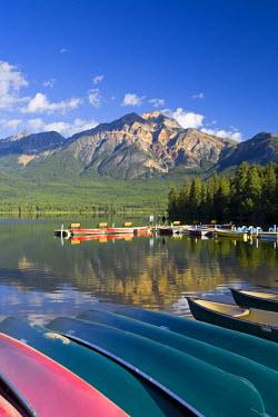 CA08197 Pyramid Lake & Pyramid mountain, sunrise, Jasper National Park, Alberta, Canada