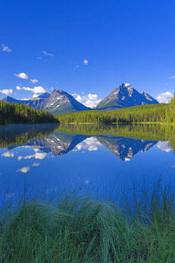 CA08204 Whirlpool Peak, Mt. Fryatt & Leech Lake, Jasper National Park, Alberta, Canada