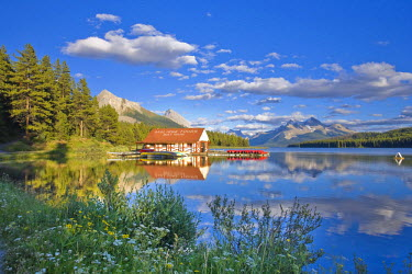 CA08207 Boathouse and Maligne Lake, Jasper National Park, Alberta, Canada