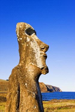 CL02129 Chile, Rapa Nui, Easter Island, Ahu Tongariki, the largest ahu on the Island, Tongariki is a row of 15 giant stone Moai statues