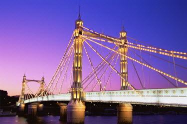 TPX8064 England, London, Chelsea, Albert Bridge