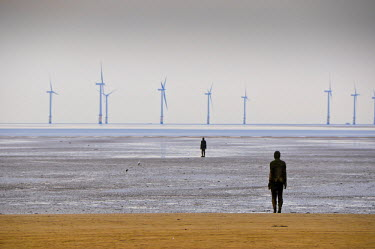 UK02594 UK, England, Merseyside, Crosby Beach, Anthony Gormleys Another Place