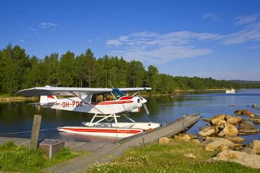 FN02045 Air Taxi & Lake, Inari, Lemmenjoki National Park, Arctic Circle, Lapland, Finland