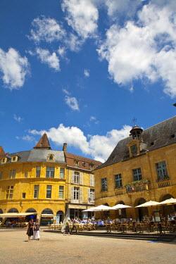 FR05235 Place de la Liberte, Sarlat, Dordogne, France