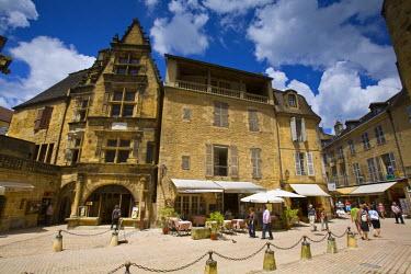FR05236 Place de la Liberte, Sarlat, Dordogne, France