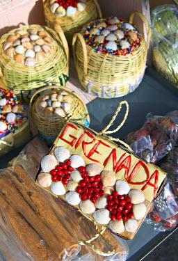 GN01008 Sea shell baskets, Grenada, Caribbean