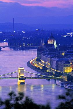 HU01083 Chain Bridge and Danude, Budapest, Hungary