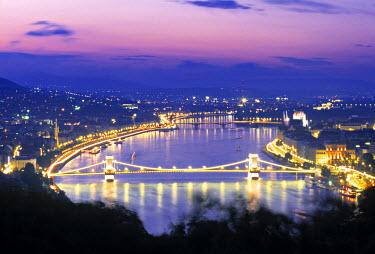 HU01085 Chain Bridge and Danude, Budapest, Hungary