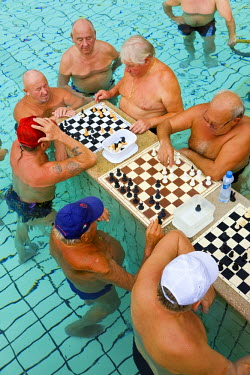 HU01218 Chess players, Thermal baths & pools, Szechenyi Baths, Budapest, Hungary