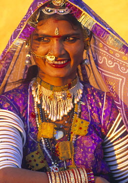 IN05235 Portrait of a woman, Rajasthan, India
