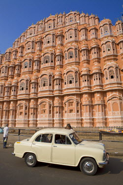 IN05258 Palace of the Winds (Hawa Mahal), Jaipur, Rajasthan, India