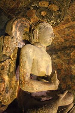 IN06147 Buddha, Cave 6, vihara (monastery), UNESCO World Heritage site, Ajanta, Maharashtra, India