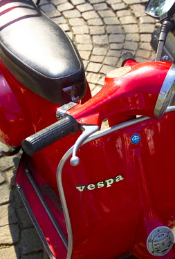 IT06167 Vespa Scooter, Milan, Italy