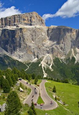 IT06248 Road to Passo di Sella,  Dolomites, Trentino-Alto Adige, Italy