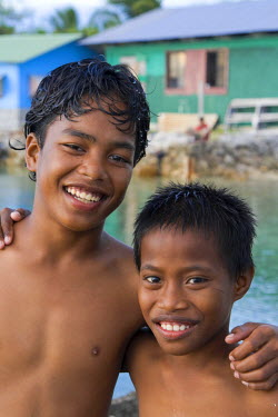 MH01034 Local Children, Jabor Village, Jaluit Atoll, Marshall Islands