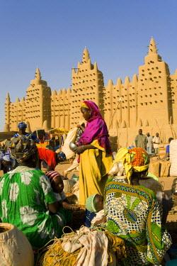 ML01010 Djenne Mosque, Djenne, Niger Inland Delta, Mopti region, Mali