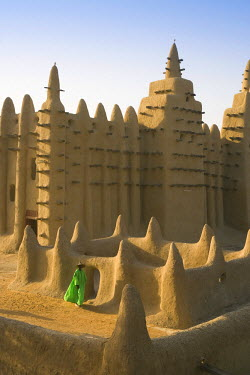 ML01011 Djenne Mosque, Djenne, Niger Inland Delta, Mopti region, Mali