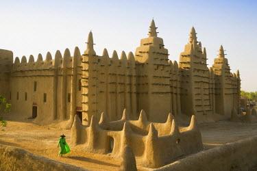 ML01013 Djenne Mosque, Djenne, Niger Inland Delta, Mopti region, Mali