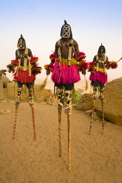 ML01022 Masked Ceremonial Dogon Dancers, Sangha, Dogon Country, Mali