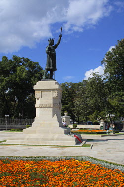 MV01001 Monument to Gospodar Stefan the Great, Chisinau, Moldavia