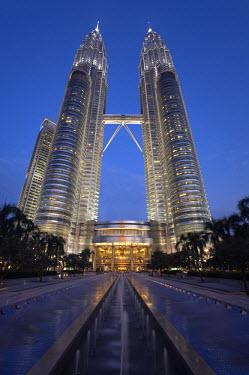 MY01036 Petronas Twin Towers, Kuala Lumpur, Malaysia